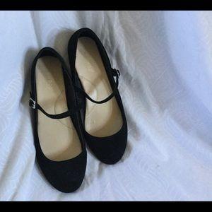 Bamboo black velvet ballet w/ strap, 9, EUC